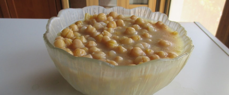 chickpeas in a glass flower-shaped bowl