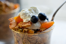 granola with olive oil, apricot, and pistachios